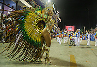 RIO DE JANEIRO, RJ, 10 DE FEVEREIRO 2013 - CARNAVAL RJ - UNIDOS DE BELFORD ROXO - Integrantes da Escola de Samba Unidos de Belford Roxo durante primeiro dia de desfiles do Grupo Especial do Carnaval do Rio de Janeiro na Marques de Sapucaí neste domingo, 10 . (FOTO: WILLIAM VOLCOV / BRAZIL PHOTO PRESS).