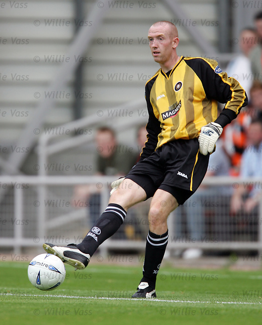 Derek Soutar, Dundee.stock season 2004-2005.pic willie vass
