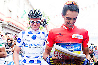 Simon Clarke and Alberto Contador at the starting line of the Vuelta de EspaÒa 2012 for the last step