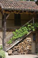 """Europe/France/Aquitaine/40/Landes/Eugénie-les-Bains:""""La Ferme aux Grives"""" ,l'auberge rurale de Michel Guérard .Détail des  batiments"""