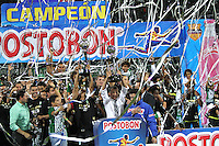 MEDELLÍN - COLOMBIA, 15-12-2013. Jugadores del Atlético Nacional celebran el título como Campeones de la Liga Postobón II 2013 después de derrotar al Deportivo Cali en partido de vuelta de la final jugado en el estadio Atanasio Girardot de la ciudad de Medellín./ Atlético Nacional Players celebrate as a champions of Postobon League II 2013 after defeated Deportivo Cali in the second leg match of the final played at Atanasio Girardot stadium in Medellin city. Photo: VizzorImage / Felipe Caicedo / Staff