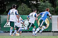 SÃO PAULO, 28 DE MARÇO 2013 - TREINO PALMEIRAS  - O jogador Souza volta a treinar com a  equipe na tarde desta quinta-feira(28) na Academia de Futebol, zona oeste da capital - FOTO: LOLA OLIVEIRA/BRAZIL PHOTO PRESS