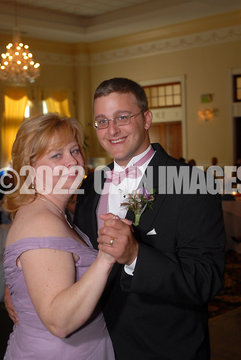 Alicia & Bill - April 18, 2010 - Drexel Hill, Pa.  (Photo by William Thomas Cain/Cain Images Wedding Photojournalism)