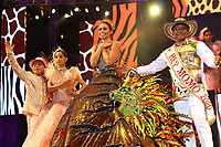BARRANQUILLA-COLOMBIA, 19-01-2020: Con la Lectura del Bando, la Reina del Carnaval de Barranquilla 2020, Isabel Chams, comenzó a mandar desde la noche de este sábado, tras un soberbio espectáculo dancístico musical. El evento se realizó en la Plaza de La Paz. / With Reading Bando, the Barranquilla Carnival Queen 2020, Isabel Chams, began to command from this Saturday night after a superb show's dance musical. The event was held at the Plaza de La Paz en Barranquilla, Colombia. Photo: VizzorImage / Alfonso Cervantes / Cont.