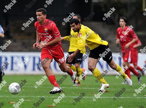 2010-11-07 / Voetbal / seizoen 2010-2011 / Berchem Sport - Dilbeek Sport / Pereira in achtervolging op Amazou van Dilbeek..Foto: Mpics