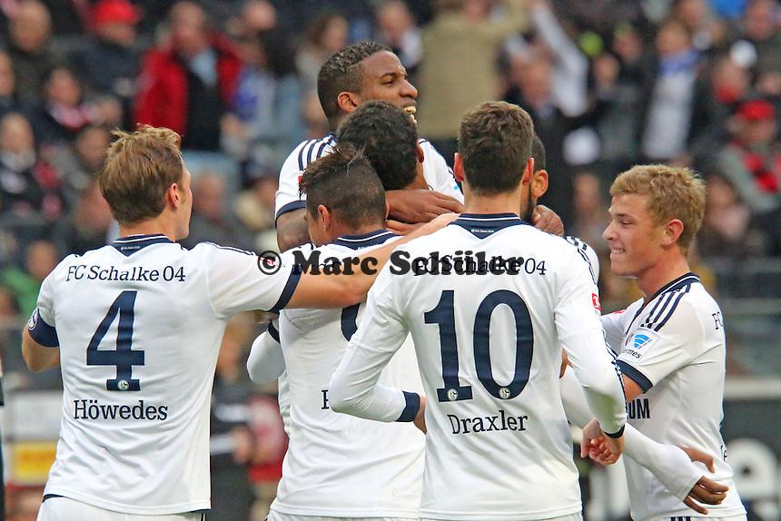 Torjubel um Joel Matip (Schalke) beim 0:2 - Eintracht Frankfurt vs. FC Schalke 04, Commerzbank Arena