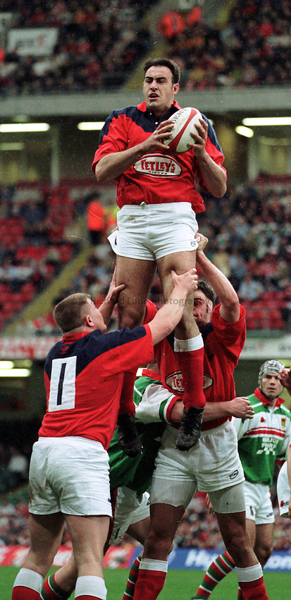 Photo:Garvin Davies.22.4.2000 Ebbw Vale v Llanelli W.R.U. Cup semi-final @ Millenium Stadium,Cardiff.Llanelli and Wales Lock Chris Wyatt