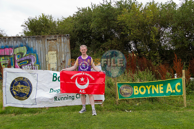 Gerard Far proudly displays sponsors of the event..Picture: Shane Maguire / www.newsfile.ie.