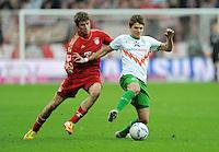 FUSSBALL   1. BUNDESLIGA  SAISON 2011/2012   15. Spieltag   03.12.2011 FC Bayern Muenchen - SV Werder Bremen        Aleksandar Ignjovski (re, SV Werder Bremen) gegen Thomas Mueller (FC Bayern Muenchen)