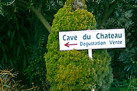 Sign to the wine cellar and shop at Chateau des Fines Roches in Chateauneuf-du-Pape, Vaucluse, Rhone, Provence, France
