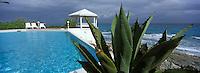 Iles Bahamas /Ile de Long Island: piscine du Stella Maris Resort