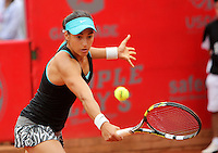 BOGOTA -COLOMBIA - 13-04-2014: Caroline Garcia de Francia devuelve la bola a Jelena Jankovic de Serbia, durante partido por la final de la Copa Claro Open Colsanitas 2014, durante partido en el Club Campestre El rancho de la ciudad de Bogota.  / Caroline Garcia of France returns the ball to Jelena Jankovic of Serbia, during the final match for the Open Claro Colsanitas Tennis Cup 2014, in the Club Campestre El Rancho in Bogota cityPhoto: VizzorImage / Nestor Silva / Cont.