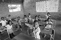 - Mozambique 1993, scuola dell'organizzazione umanitaria Austriaca SOS Kinderdorf a Maputo<br /> <br /> - Mozambico 1993, school of the Austrian humanitarian organisation SOS Kinderdorf in Maputo