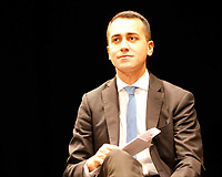 Luigi Di Maio teatro Sannazaro