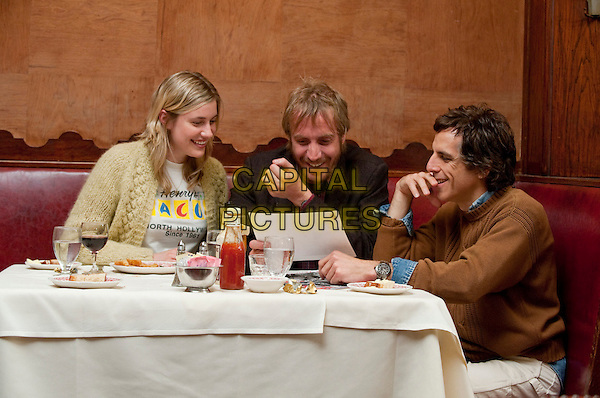 GRETA GERWIG, RHYS IFANS & BEN STILLER.in Greenberg.*Filmstill - Editorial Use Only*.CAP/FB.Supplied by Capital Pictures.