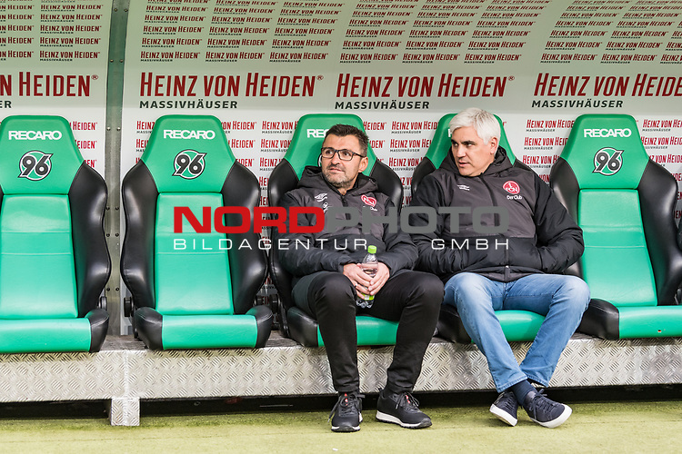 09.02.2019, HDI Arena, Hannover, GER, 1.FBL, Hannover 96 vs 1. FC Nuernberg<br /> <br /> DFL REGULATIONS PROHIBIT ANY USE OF PHOTOGRAPHS AS IMAGE SEQUENCES AND/OR QUASI-VIDEO.<br /> <br /> im Bild / picture shows<br /> Michael K&ouml;llner / Koellner (Trainer 1. FC Nuernberg) mit Wasserflasche und Andreas Bornemann (Vorstand Sport 1. FC Nuernberg) auf Trainerbank vor dem Spiel,<br /> <br /> Foto &copy; nordphoto / Ewert