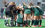 ALMERE - Hockey - Overgangsklasse competitie dames ALMERE- ROTTERDAM (0-0) .  huddle Rotterdam. COPYRIGHT KOEN SUYK