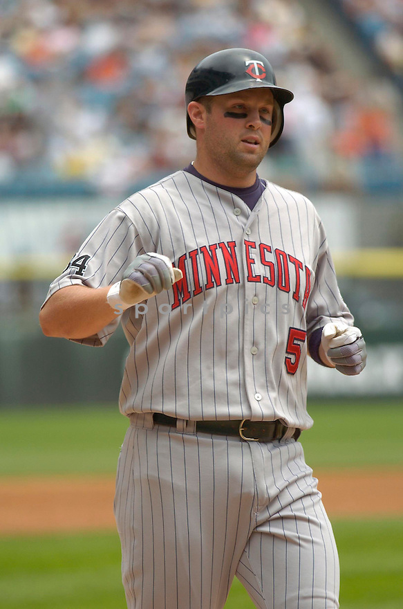 Michael Cuddyer, of the Minnesota Twins, in action against the Chicago White Sox of July 26, 2006 in Chicago...Twins win 7-4...Chris Bernacchi / SportPics