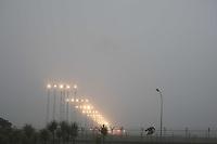 GUARULHOS, SP, 25/06/2012, NEBLINA CUMBICA. O aeroporto de Cumbica esta operando por instrumentos na manha dessa Segunda-feira (25) devido a forte neblina que esta sobre Sao Paulo.  Luiz Guarnieri/ Brazil Photo Press