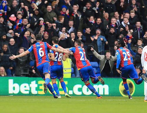 06.03.2016. Selhurst Park, London, England. Barclays Premier League. Crystal Palace versus Liverpool. The Palace players celebrate their opening goal scored by Joe Ledley.