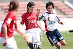 (L to R) <br /> Hikaru Naomoto (Reds), <br /> Saori Arimachi (Belle), <br /> MAY 4, 2014 - Football /Soccer : <br /> Plenus Nadeshiko League 2014 <br /> between Urawa Reds Ladies 1-3 Okayama Yunogo Belle <br /> at Saitama Urawa Komaba Stadium, Saitama, Japan. <br /> (Photo by AFLO SPORT) [1205]