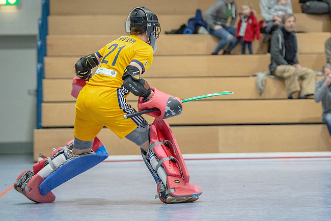 Mannheim, Germany, January 12: During the 1. Bundesliga women indoor hockey match between Mannheimer HC and Ruesselsheimer RK on January 12, 2020 at Irma-Roechling-Halle, Am Neckarkanal in Mannheim, Germany. Final score 5-4. (Photo by Dirk Markgraf / www.265-images.com) *** Lisa Schneider #21 of Mannheimer HC