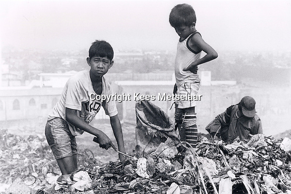 Smoky Mountain in Manila. Impoverished community living on and from the city garbage dump.