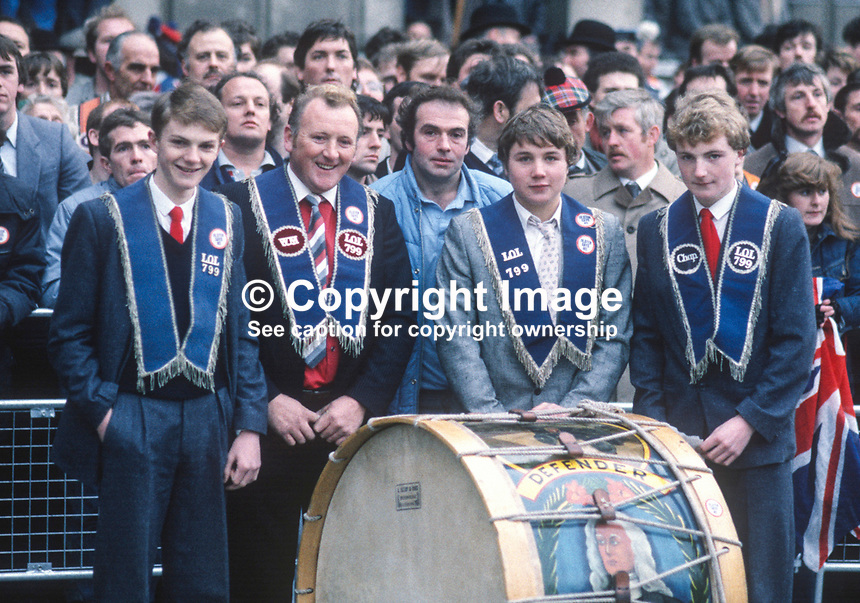 Anti Anglo-Irish Agreement Rally, City Hall, Belfast, Saturday, 23rd November 1985 - Orangemen attend the rally with their Lambeg drum. 19851112s..Copyright Image from Victor Patterson, 54 Dorchester Park, Belfast, UK, BT9 6RJ..Tel: +44 28 9066 1296.Mob: +44 7802 353836.Voicemail +44 20 8816 7153.Skype: victorpattersonbelfast.Email: victorpatterson@me.com.Email: victorpatterson@ireland.com (back-up)..IMPORTANT: If you wish to use this image or any other of my images please go to www.victorpatterson.com and click on the Terms & Conditions. Then contact me by email or phone with the reference number(s) of the image(s) concerned.