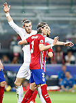 Real Madrid's Garet Bale (l) and Atletico de Madrid's Filipe Luis during UEFA Champions League 2015/2016 Final match.May 28,2016. (ALTERPHOTOS/Acero)