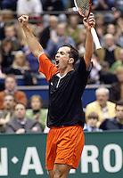 24-2-06, Netherlands, tennis, Rotterdam, ABNAMROWTT, Radek Stepanek wins the match against Novak Djokovic and jubllates his victory