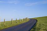 Europa, DEU, Deutschland, Schleswig Holstein, Nordfriesland, Halbinsel Eiderstedt, Westerhever, Deich, Weg, Zaun, Himmel, Kategorien und Themen, Natur, Umwelt, Landschaft, Jahreszeiten, Stimmungen, Landschaftsfotografie, Landschaften, Landschaftsphoto, Landschaftsphotographie, Tourismus, Touristik, Touristisch, Touristisches, Urlaub, Reisen, Reisen, Ferien, Urlaubsreise, Freizeit, Reise, Reiseziele, Ferienziele....[Fuer die Nutzung gelten die jeweils gueltigen Allgemeinen Liefer-und Geschaeftsbedingungen. Nutzung nur gegen Verwendungsmeldung und Nachweis. Download der AGB unter http://www.image-box.com oder werden auf Anfrage zugesendet. Freigabe ist vorher erforderlich. Jede Nutzung des Fotos ist honorarpflichtig gemaess derzeit gueltiger MFM Liste - Kontakt, Uwe Schmid-Fotografie, Duisburg, Tel. (+49).2065.677997, ..archiv@image-box.com, www.image-box.com]