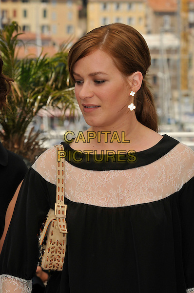 "FRANKA POTENTE.""Che"" film photocall at Palais de Festival during the 61st Cannes International Film Festival, Cannes, France..22nd May 2008 .headshot portrait black white sheer beige bag purse .CAP/PL.© Phil Loftus/Capital Pictures"