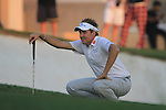 Ian Poulter lines up his putt on the 2nd playoff hole on the 18th green having received a penalty for his ball moving at the end of the Final Day of the Dubai World Championship, Earth Course, Jumeirah Golf Estates, Dubai, 28th November 2010..(Picture Eoin Clarke/www.golffile.ie)