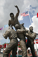 NCAA Baseball, Rosenblatt Stadium, College World Series, The Road to Omaha Statue. Photo by Andrew Woolley / Four Seam Images..