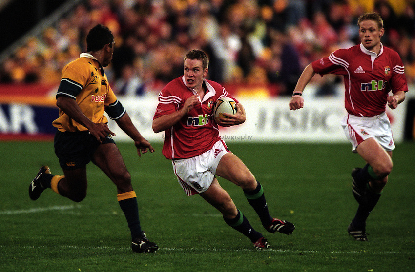 Photo. Richard Lane. .Australia v Bristish and Irish Lions. Lions Tour 2001 to Australia. Third Test at the Stadium Australia, Sydney, Australia. 14/7/2001..Matt Perry attacks with Iain Balshaw in support.