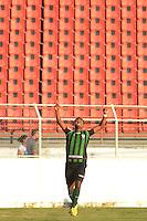ITU, SP, 01 DE JUNHO DE 2013 - CAMPEONATO BRASILEIRO SÉRIE B - PALMEIRAS x AMÉRICA MG: Nikão comemora gol do América MG durante partida Palmeiras x América MG, válida pela 3ª rodada do Campeonato Brasileiro Série B 2013, disputada no estádio do Noveli Junior em Itu. FOTO: LEVI BIANCO - BRAZIL PHOTO PRESS.