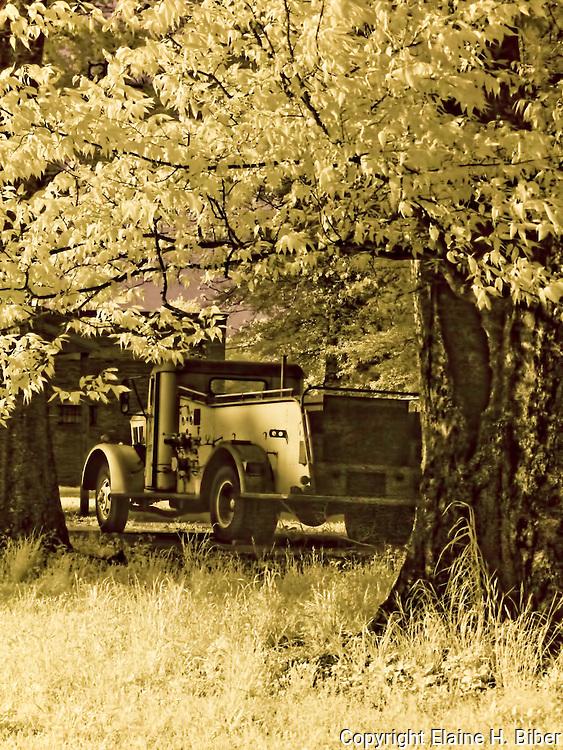 Vintage fire engine, infrared capture