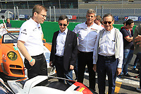 PRESENTATION PORSCHE LMP TEAM (DEU) PORSCHE 919 HYBRID LMP1 PIERRE FILLON (FRA) PRESIDENT AUTOMOBILE CLUB DE L'OUEST SIR LINDSAY OWEN JONES (GBR) HEAD OF ENDURANCE COMMISSION