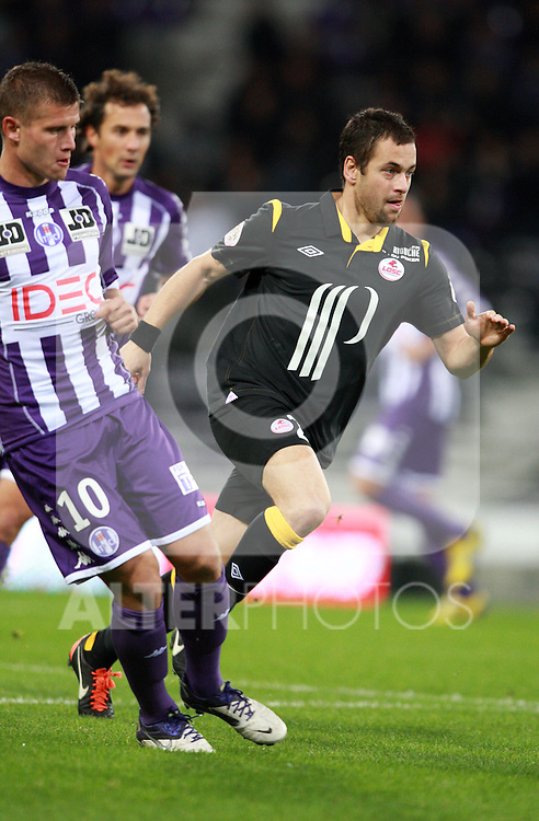 Joe Cole in action for Lille..Toulouse v LOSC (Lille), Ligue 1, Stade Municipal, Toulouse, France, 18th November 2011.