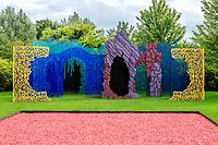 """France, Loir-et-Cher (41), Chaumont-sur-Loire, domaine de Chaumont-sur-Loire, dans les prés du Goualoup, jardin permanent, """"le jardin des hypothèses"""" par Bernard Lassus"""