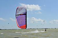 ZEILSPORT: HINDELOOPEN: 03-08-2013, IFKS skûtsjesilen, A Klasse afgelast vanwege te harde wind, Kitesurfen, ©foto Martin de Jong