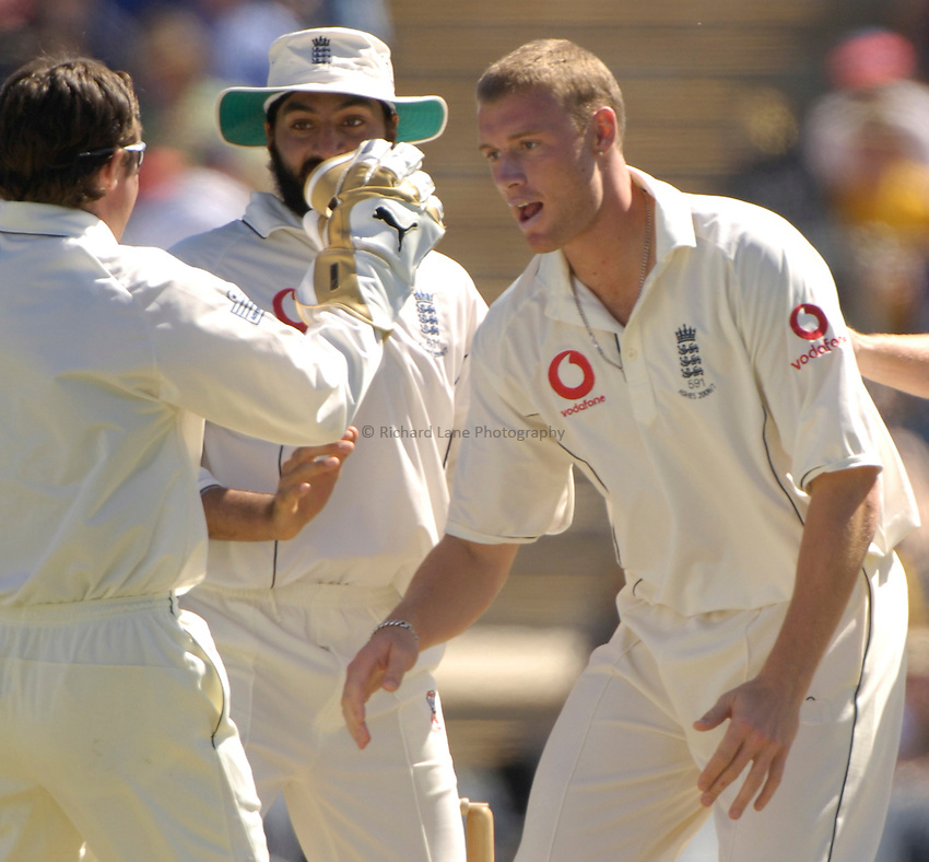Photo: Steve Holland..Prime Minister's XI v England. Tour match. 10/11/2006..England's Andrew Flintoff celebrates a wicket.
