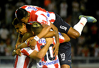 BARRANQUILLA- COLOMBIA -18-03-2017: Los jugadores de Atletico Junior celebran el gol anotado a Once Caldas, durante partido de la fecha 10 entre Atletico Junior y Once Caldas, por la Liga Aguila I-2017, jugado en el estadio Metropolitano Roberto Melendez de la ciudad de Barranquilla. / The players of Atletico Junior celebrate a scored goal to Once Caldas, during a match of the date 10, between Atletico Junior and Once Caldas, for the Liga Aguila I-2017 at the Metropolitano Roberto Melendez Stadium in Barranquilla city, Photo: VizzorImage  / Alfonso Cervantes / Cont.