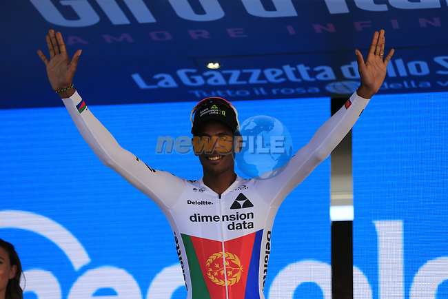 Daniel Teklehaimanot (ERI) Team Dimension Data takes over the mountains jersey at the end of Stage 2 of the 100th edition of the Giro d'Italia 2017, running 221km from Olbia to Tortoli, Sardinia, Italy. 6th May 2017.<br /> Picture: Eoin Clarke | Cyclefile<br /> All photos usage must carry mandatory copyright credit (&copy; Cyclefile | Eoin Clarke)
