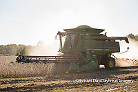 63801-07312 Soybean harvest with John Deere combine in Marion Co. IL