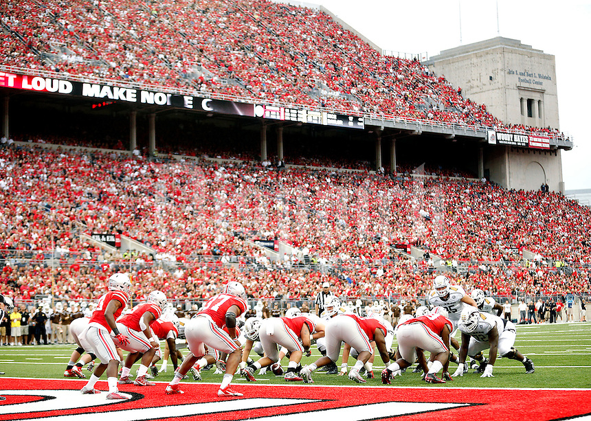 Ohio State Buckeyes against Western Michigan Broncos in their game at Ohio Stadium on September 26, 2015.  (Dispatch photo by Kyle Robertson)