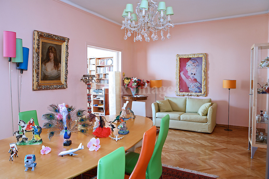 Eleni Psichouli, who was always fond of the center of Athens, bought a 210 sq. m house in Ilisia in Athens, Greece.