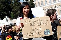 Banners preserve the world<br /> Rome April 19th 2019. Fridays for Future Climate Strike in Rome, Piazza del Popolo.<br /> photo di Samantha Zucchi/Insidefoto