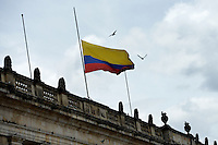 BOGOTA -COLOMBIA. 18-04-2014. Aspecto de la bandera de Colombia a media asta en el Capitolio Nacional de Colombia hoy, 18 de abril de 2014, en honor a Gabriel García Marquez premio Nobel de Literatura 1982 quien murió a los 87 años de edad en ciudad de México ayer, 17 de abril de 2014./ Aspect of the flag of Colombia at  half mast over the National Capitol of Colombia in BOgota in honor of Colombian Nobel Prize-Winning Author 1982 Gabriel Garcia Marquez who died at 87 in Mexico city, yesterday April 17 2014.   Photo: VizzorImage/ Gabriel Aponte/ Staff