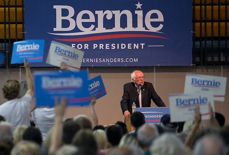 "UNITED STATES - August 16: Sen. Bernie Sanders, D-Vt., speaks at the Loras College Athletic and Wellness Center in Dubuque, Iowa, on Sunday, August 16, 2015. The ""town meeting,"" was the fourth campaign event of the day for Sanders. (Photo By Al Drago/CQ Roll Call)"